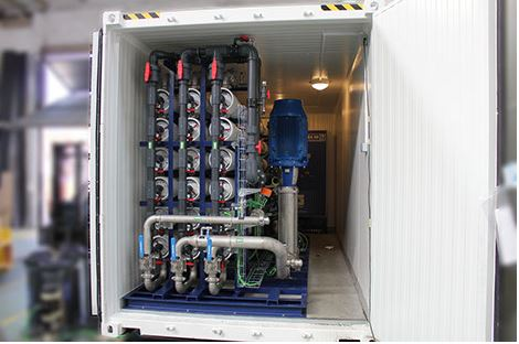 Containerized fresh water reverse osmosis system
